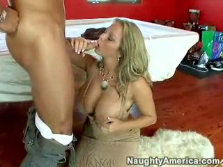 多汁 热 色情明星 amber lynn bach hooks 一 meaty pole 在 她的 steamy 口
