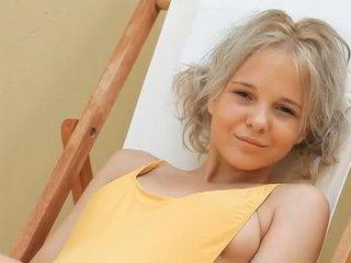 Mladý blondýnka dospívající monroe filthy siesta část 1
