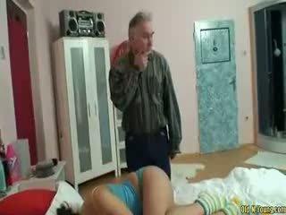 Miegas paauglys mergaitė šikna licking
