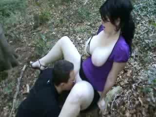 Bueno follando en bosque vídeo