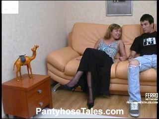 Mima dhe vitas screened ndërsa pantyhosefucking