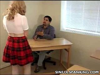Školní hotty tupo spanked