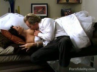 Piękne ciemny haired panna młoda gets gorące seks akcja później ślub