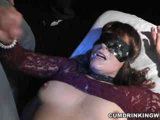 Amatur perempuan tak senonoh adalah yang air mani dump untuk yang entire audience
