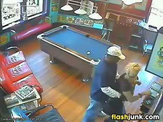 Iki adam tutulan sikiş by a security camera