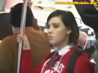 Χαριτωμένο έφηβος/η κορίτσι του σχολείου χουφτωμένος/η κακοποιημένος/η