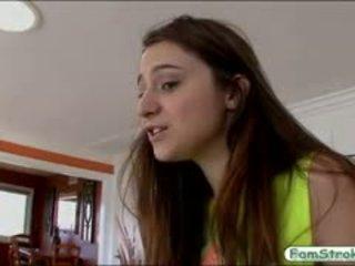 Naturalny cycki nastolatka elektra rose gets pounded przez jej stepdad