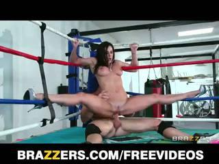 Besar dada kendra lust fucks sebuah gulat champion di itu ring