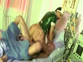 ビデオ の 看護師 has セックス とともに dude