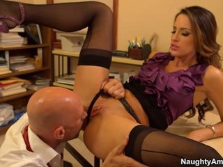 Kortney Kane Is A Spicy Secretary Besi...