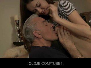 Teeny mieze having anal sex mit alt guy