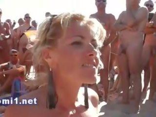 Naomi למצוץ ציבורי חוף stranger, חופשי פורנו bd