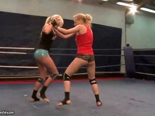 best lesbian, all lesbian fight any, see muffdiving