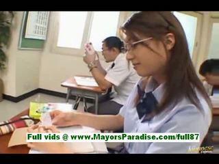 Yamasaki honoka tinedyer asyano istudyante sa ang silid-aralan writes tickets