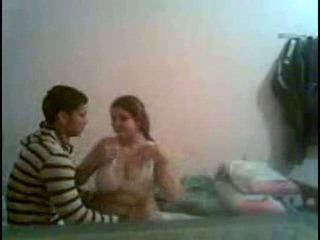 Desi iso perse ja iso breast tyttö