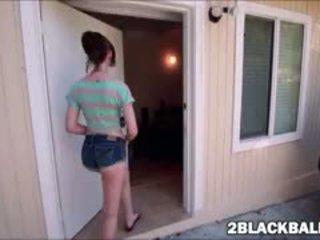 Libre brunette magaling, blowjob, pinakamabuti interracial