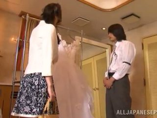 Yui tatsumi o erótico noiva gives um thang pila chupar para dela fiance