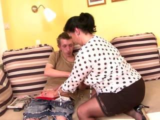 Tabu posh äldre momen förför ung son, porr b5