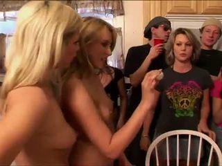 Playboy: reale babes partying hardcore stile