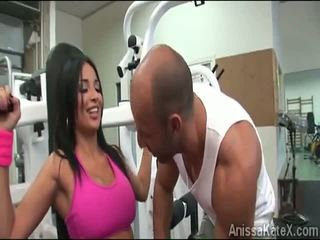 Stor stacked anissa kate trains henne fitte ved den gym