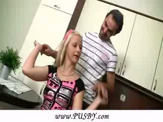 Špansko old učitelj in mlada punca