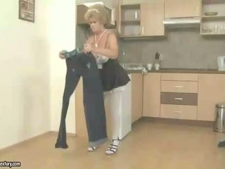 Obraznic vechi servitoare gets inpulit de baiat
